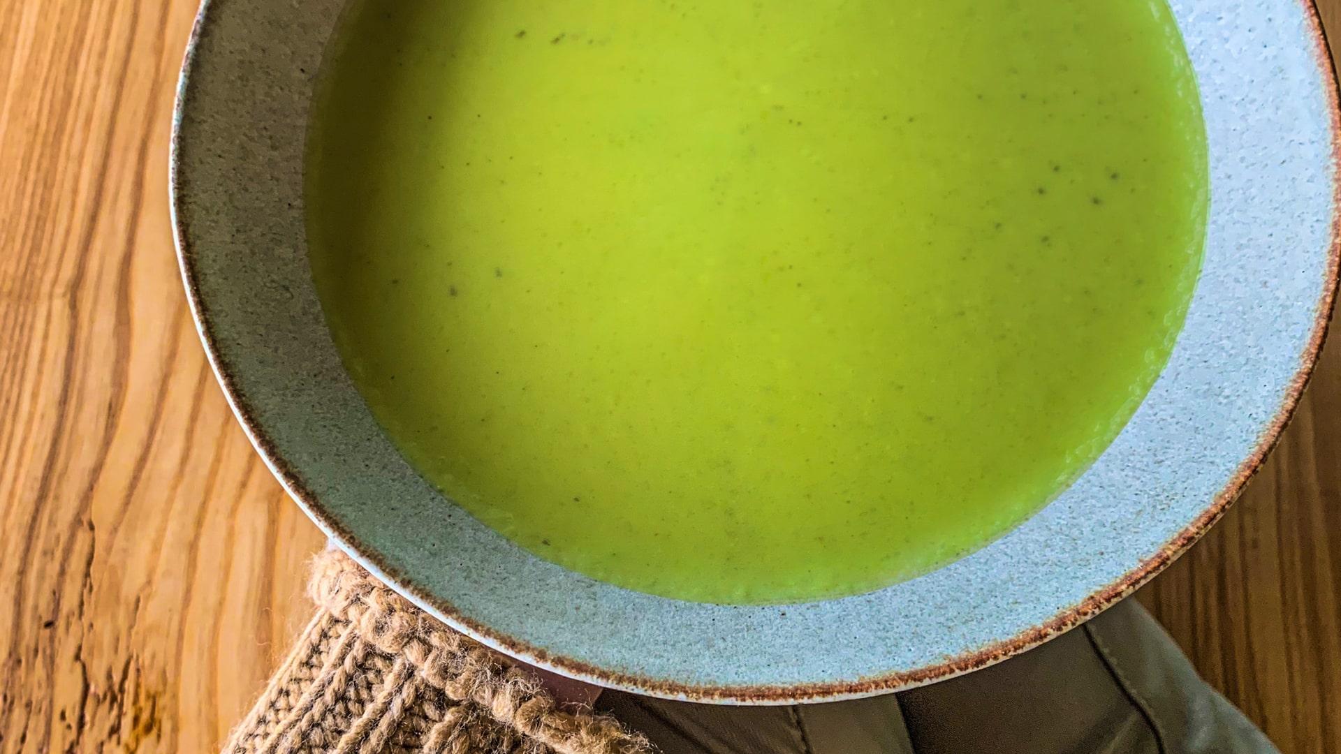 Krémová polievka zo stonkového zeleru