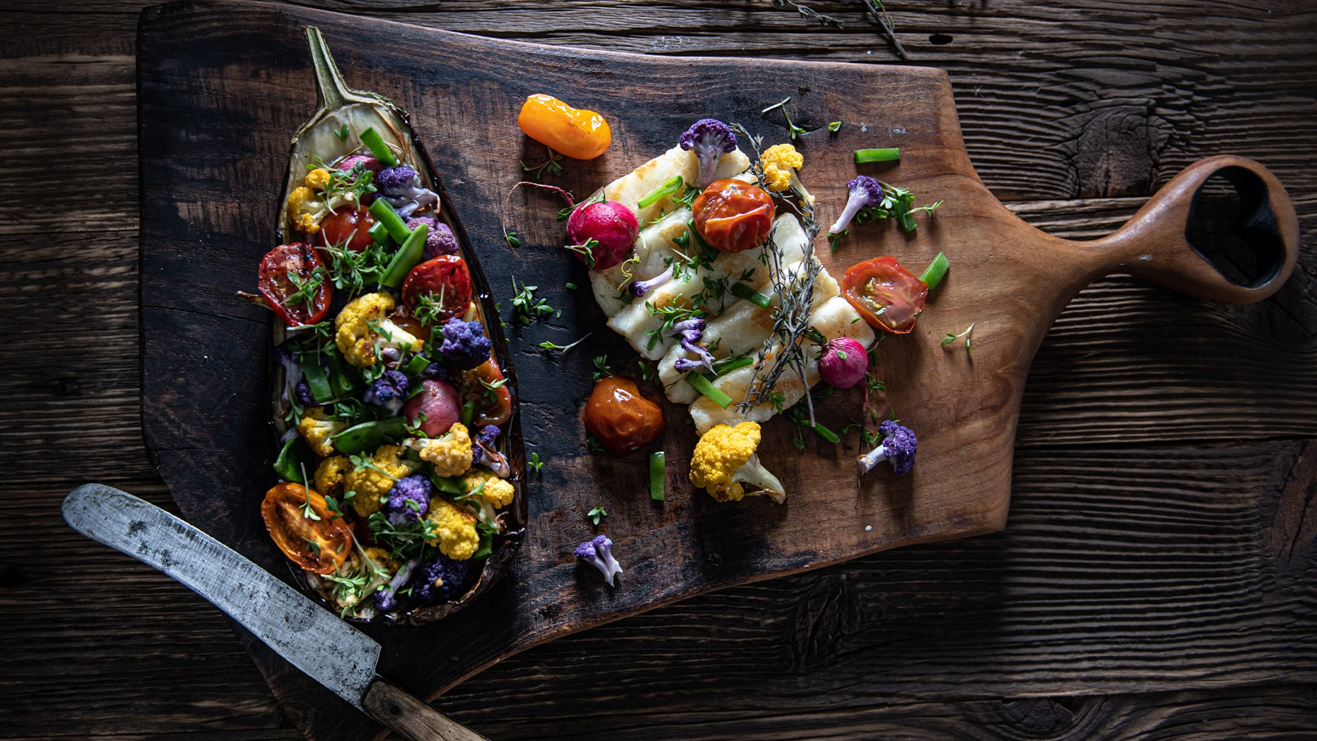 Plnený balkažán s halloumi syrom a grilovanou zeleninou